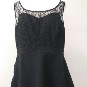 Torrid sleeveless lace blouse